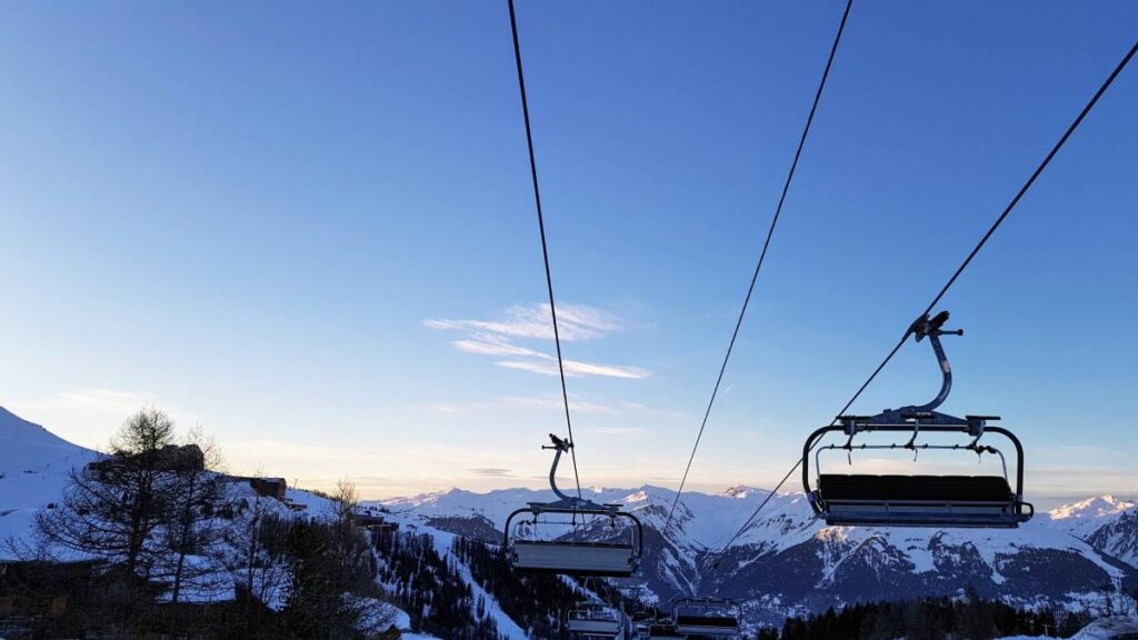 Ride a drag lift to avoid queues in ski resorts